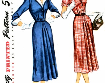 Simplicity 8377 Dress with Detachable Large Collar and Cuffs fitted skirt with front tucks 1951 Sewing Pattern Size 14 Bust 32