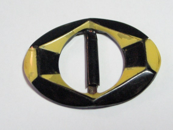 1930s Art Deco Belt Buckle in Yellow and Black