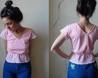 pink peplum eyelet tee tshirt/ 80s// small
