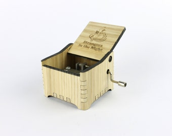 Strangers in the Night - Frank Sinatra + Your Engraving on the music box