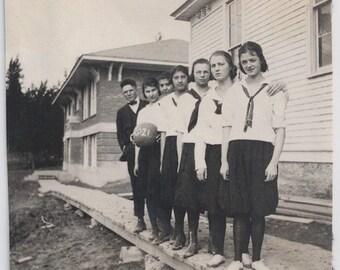 Old Photo Womens Basketball Team 1920s Photograph snapshot vintage