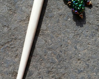Hair Jewelery, Bone hair stick, Amber, iridescent Emerald Green beadwork ornament. (#733)