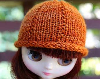 BLYTHE Middie doll hand knit Halloween Pumpkin hat