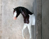 EQUINE COLLECTION horse head clothing / bridle rack or bookend in paint