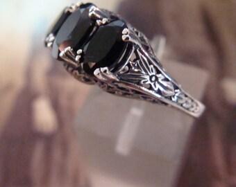 Lovely Sterling Silver Black Onyx 3 stone filigree  Ring  Size 6.75