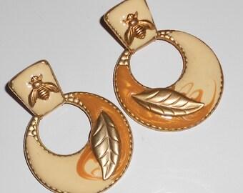 Vintage Honey Bee earrings, pierced insect door knocker earrings, 1980s jewelry