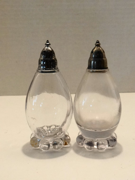 Vintage beautiful imperial egg shaped crystal glass salt and - Egg shaped salt and pepper shakers ...