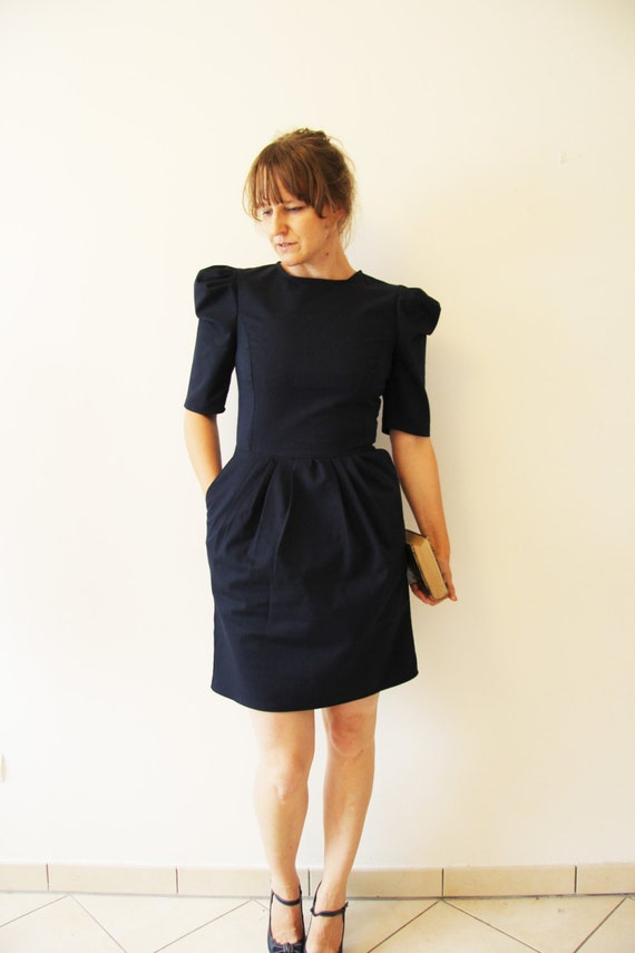 robe courte bleue robe bleue manches bouffante robe par jolydagmara. Black Bedroom Furniture Sets. Home Design Ideas