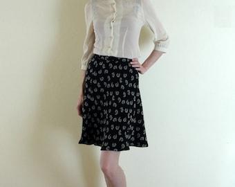 SALE! 90s Black Paisley Mini Skirt. High Waist. XS - Small.