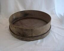 Vintage Gardening Tool - Threshing Sieve - Antique Wood Seed Sieve - Beech Shaker Utensil - French Vegetable Bowl- Garden Tool