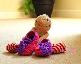 Pink fuchsia  handmade crochet baby girl shoes, Ballerina Baby Girl Shoes with nice purple flower, Slippers