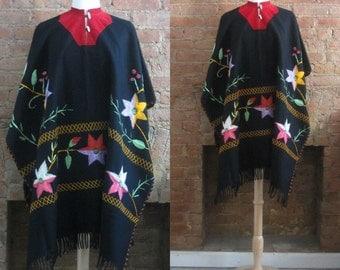 1970s bohemian wool blanket poncho | 60's 70's Boho Hippie Festival Folk Woodstock | one size | Alma