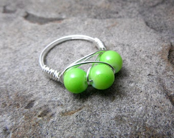 Bright Green Ring, Wire Wrapped Ring, Cluster Ring, Wire Wrapped Jewelry Handmade, Bead Ring, Chunky Ring
