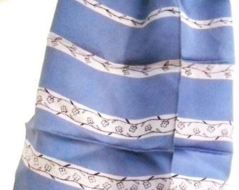 Vintage scarve. Lilac Satin feel.