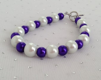Purple Chunky Pearl Bracelet, Purple and White Wedding Jewelry, Bridesmaid Jewelry, Purple Beaded Jewelry, Purple Wedding Pearl Jewelry