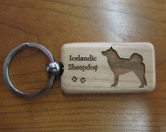 Icelandic Sheepdog Wood Keychain - Customizable