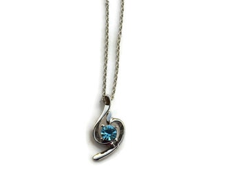 Beautiful Aqua pendant necklace with chain link necklace