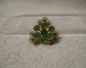 Vintage brooch, Green stones with gold filigree - RoseThrones