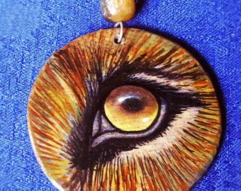 Pendant LION EYE - freehand painted wood