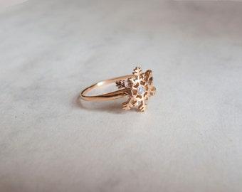 Gold Snowflake ring with white Zircon