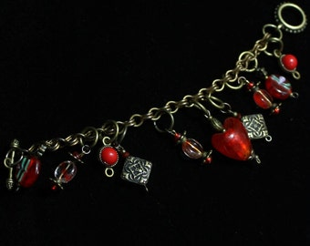 Red glass hearts bracelet
