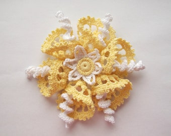 yellow brooch, yellow crochet brooch, yellow handmade brooch, handmade ,pin,accessory,corsage, wedding accessories.