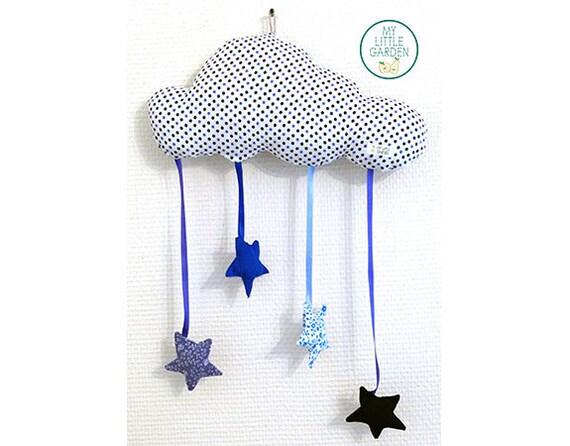 Mobile nuage étoilé bleu personalisable