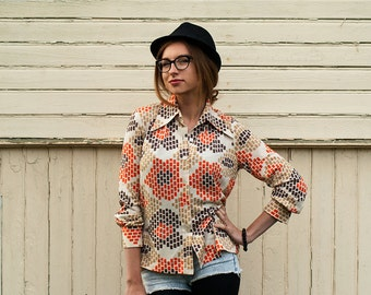 Vintage 70s Women's Cream White and Orange Light Brown Geometric Blouse / Women's Shirt
