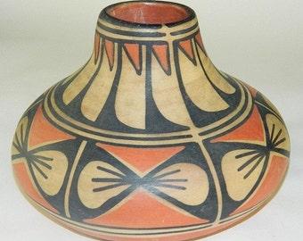 Pueblo Pottery Vase : Santa Domingo Pueblo Pottery Vase, by Robert Tenorio #6