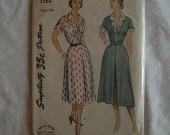 Simplicity 3588 Pattern – Women's One-Piece Dress – Size 42