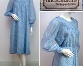 "Vintage 70s Dress Blue Pastel Floral Day Dress Boho Spring Summer Belted Quilted FINE FEATHERS Midi Dress Smock Wedding Size Medium 36"" Bust"