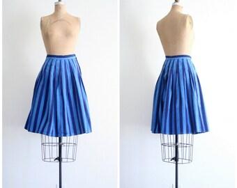 SALE    striped pleated skirt - blue chambray / Santa Cruz - vintage 80s stripes / high waisted - 1980s