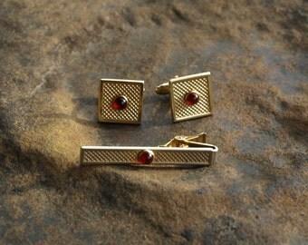 Vintage Cuff Links Tie Clip Set Red Cabochon Anson