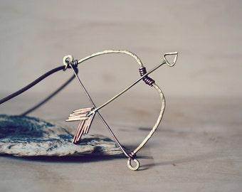 Bow and Arrow Necklace, Zodiac Necklace Sagittarius, Elven Jewelry Elvish, Medieval Jewelry, Huntress Archery Necklace Fantasy
