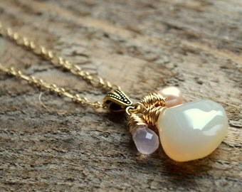 Peach Chalcedony and Gemstone Necklace in Gold