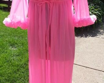 Hot Neon Bubble Gum Pink 1950s Peignoir Set