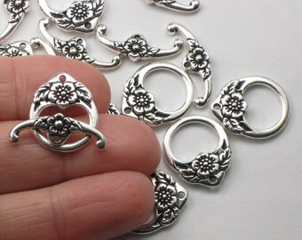 Silver Floral Flower Toggle Clasps, Antique Silver Plated, TierraCast Lead Free Pewter, Flower Adorned Bracelet Or Necklace Clasp
