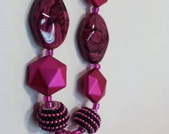 Hot pink & black necklace and earring set.