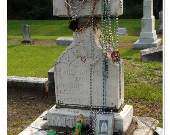 Gypsy Queen Tomb Photograph