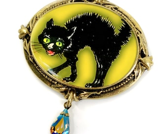 Black Cat Halloween Pin, Halloween Jewelry, Halloween Brooch, Cat Lover Gift, Cat Jewelry, Halloween Pin, Cat Pin, Scaredy Cat Brooch P323