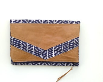 TRIANGLE fold over clutch // navy and white herringbone with camel leather