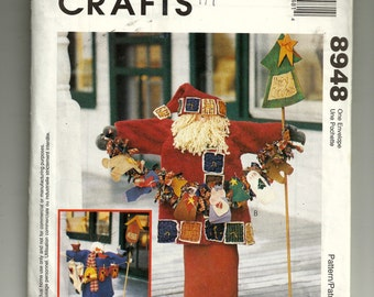 McCall's Christmas Greeters Pattern 8948