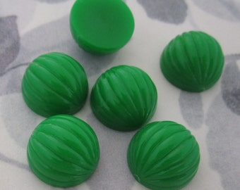 18 pcs. vintage fluted ridged green plastic cabochons 14mm - f2961