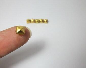 100pcs 5mm Tiny Metal Pyramid Studs - Gold