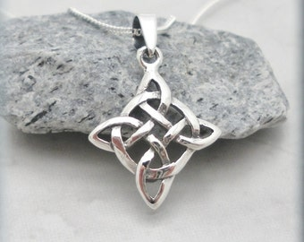 Celtic Knot Necklace, Diamond Shape, Irish Jewelry, Sterling Silver, Graduation Gift, Everyday Necklace, Birthday Gift, Minimalist - SN811