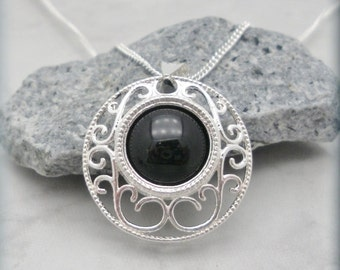Black Onyx Filigree Necklace Gemstone Jewelry Pendant Sterling Silver (SN809)