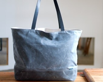 The Shopper no.1 in waxed canvas - two color options