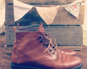 VINTAGE Brown Leather Aerosole Booties 6