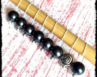 Snag Free Stitch Markers Medium Set of 8 - Black Glass Pearls - M2 - For up to size US 11 (8mm) Knitting Needles