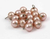 Vintage Crusty Pink Faux Pearl Plastic Beaded Charms (16X) (B514)
